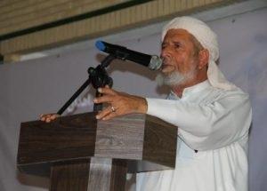 شیخ محمد علی امینی از وضعیت نابسامان اشتغال و مسکن جوانان قشم انتقاد کرد