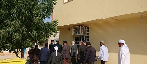 حضور مهندس مومنی مدیر عامل سازمان منطقه آزاد قشم و مهندس عبدالجواد کمالی در مدرسه اسماعیلیه