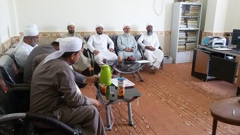 نشست ریاست و مسئولین نهادهای مجتمع دینی قشم با اساتید برادر مدرسه اسماعیلیه